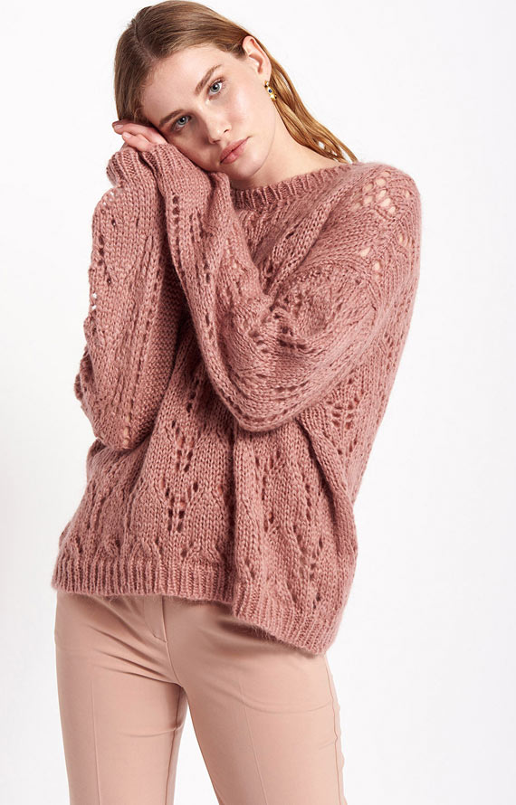 ANTIQUE ROSE KNITWEAR WITH LACY WOOL