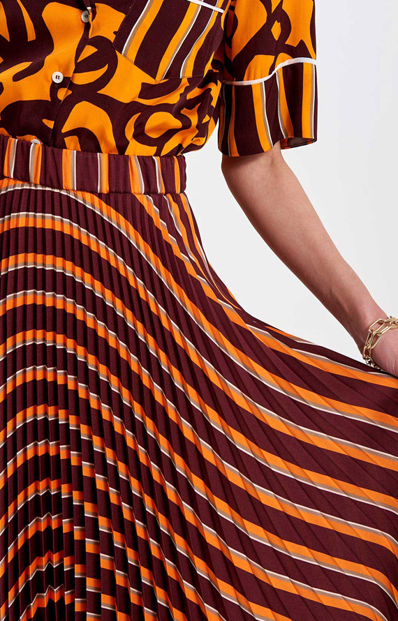 BORDEAUX AND ORANGE LONG PLEATED SKIRT